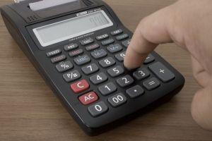 calculator - by Flavio Takemoto