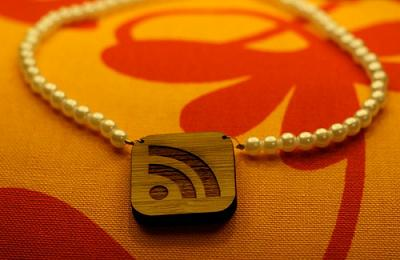 rss_necklace by n0seblunt