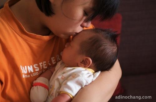 201108 caleb and mummy